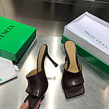 Кожаные шлепки, сандали Боттега на каблуке, фото 3