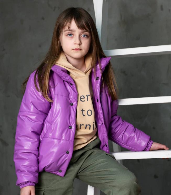 Фиолетовая куртка из эко кожи для девочки