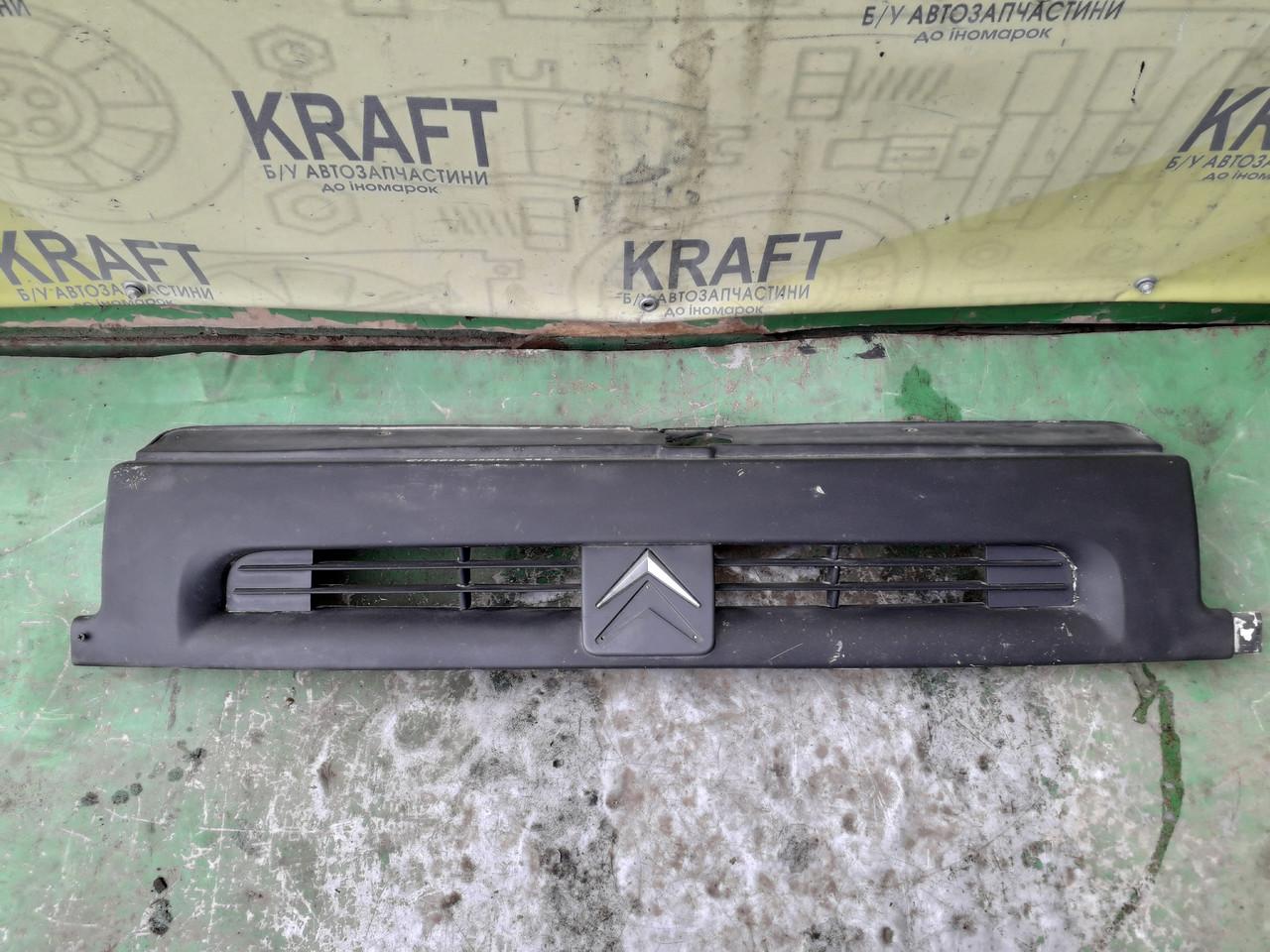 Решітка радіатора для Citroen Jumpy 1999 дефект