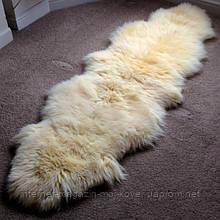 Дуже красива новозеландська овчина кремового кольору