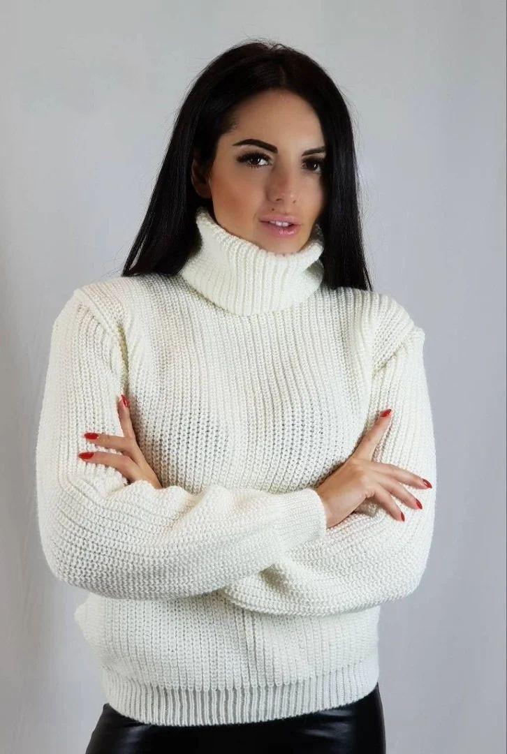 Зимний вязаный свитер под горло шерсть