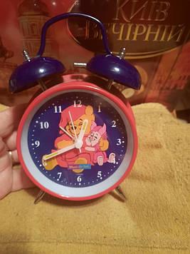 Часы будильник круглый настольный виннипух дисней
