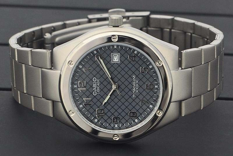 Часы наручные мужские Casio LIN-164-8AVEF (модуль №1332)