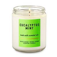Ароматична свічка на один гніт Bath and Body Works Eucalyptus Mint 198г