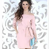 Короткое пудровое повседневное женское платье