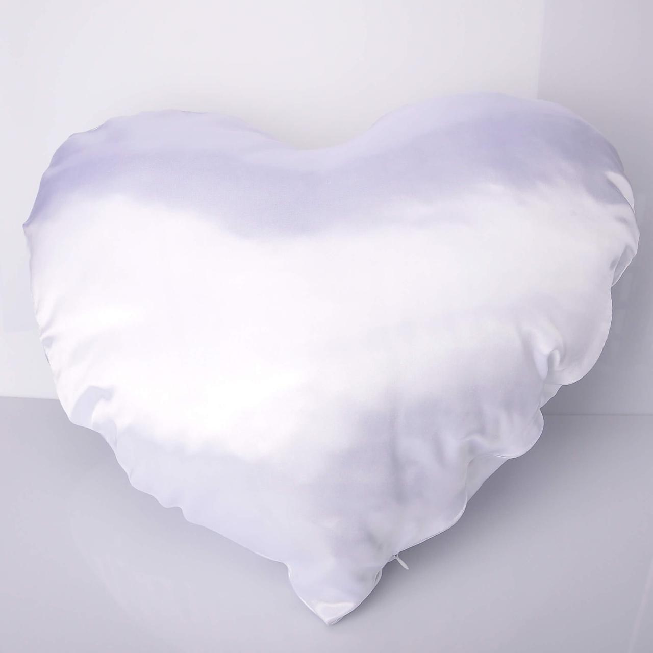 Подушка атлас белая Сердце