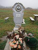 Надгробный памятник из бетона одинарный с цветником образец №5