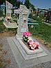 Памятник крест из гранулита одинарный с цветником вертикальный образец №5