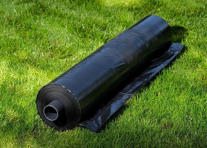 Пленка черная 30 мкм 0.8 м x 600 м. Полиэтиленовая (для мульчирования).