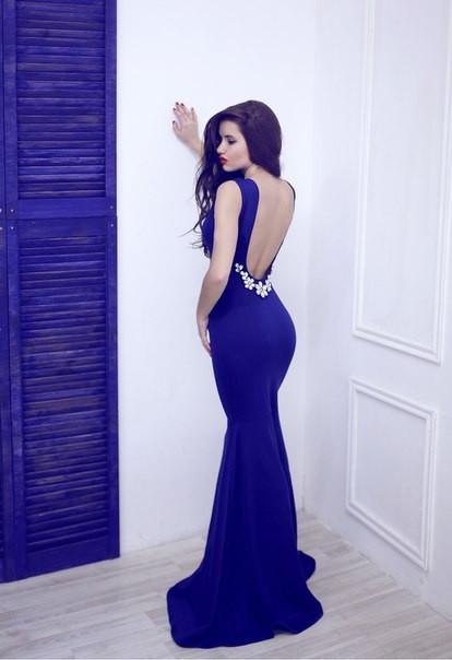 Платье *Рыбка* с открытой спиной и камнями