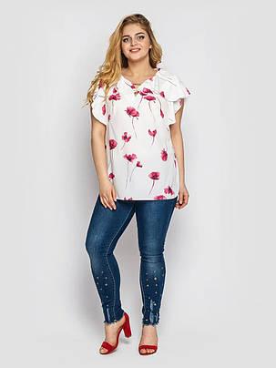 Симпатичная белая блузка с коротким рукавом с принтом красные маки, большие размеры от 52 до 58, фото 2