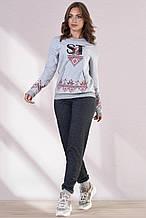 Женский трикотажный спортивный костюм с принтом. Украинский орнамент. Серый