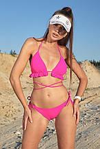 Пляжный женский раздельный купальник с рюшами и декоративными завязками. Розовый, неоновый,малиновый