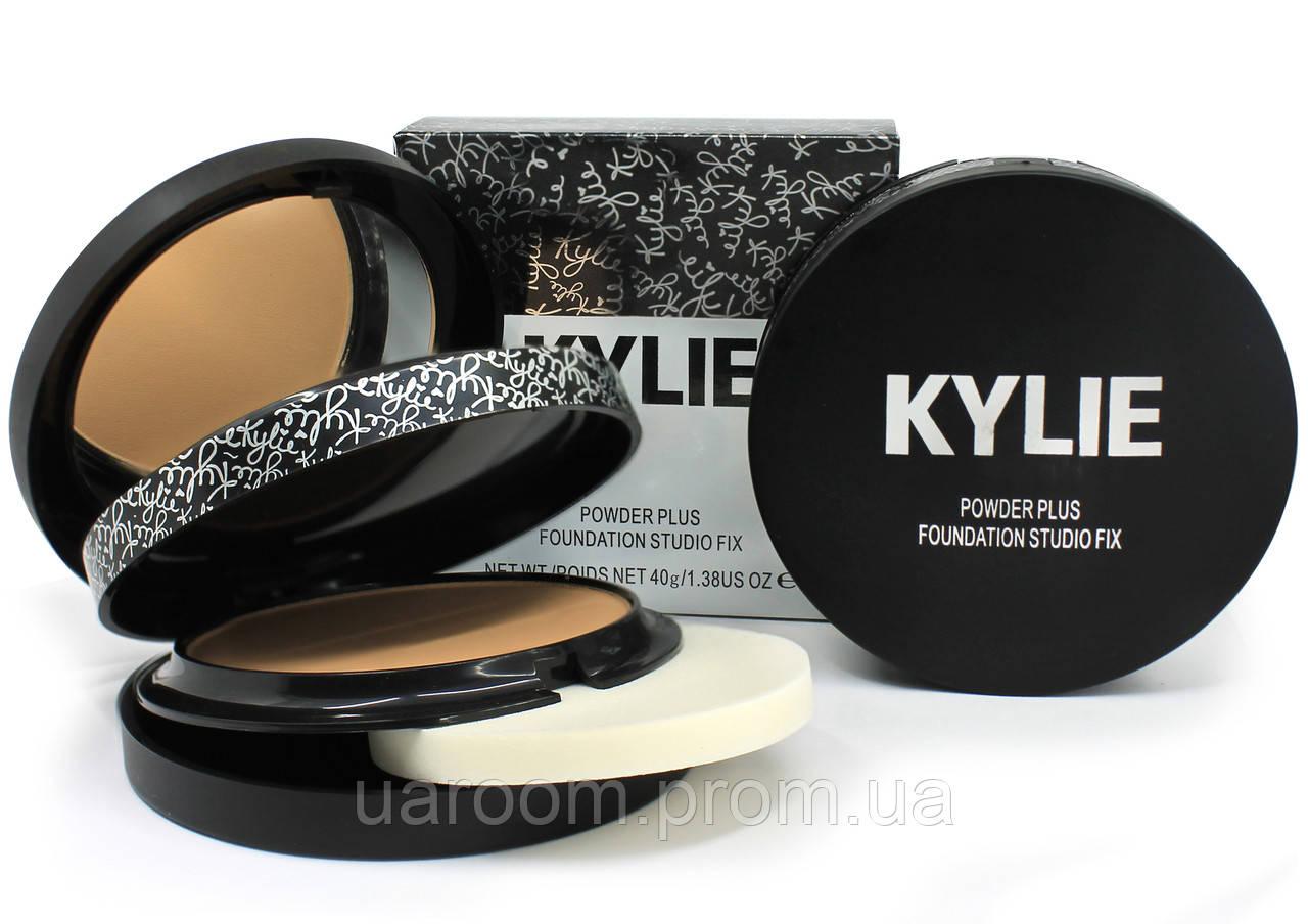 Компактна подвійна пудра Kylie Powder Plus Foundation Studio Fix
