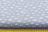 """Лоскут бязі """"Маленькі хмари різних розмірів"""" білі на сірому, колекція Mini-mikro, розмір 138*15 см, фото 3"""