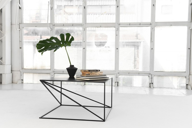 Журнальний, кавовий столик GoodsMetall металевий в стилі Лофт 400х700х700 ЖС1185