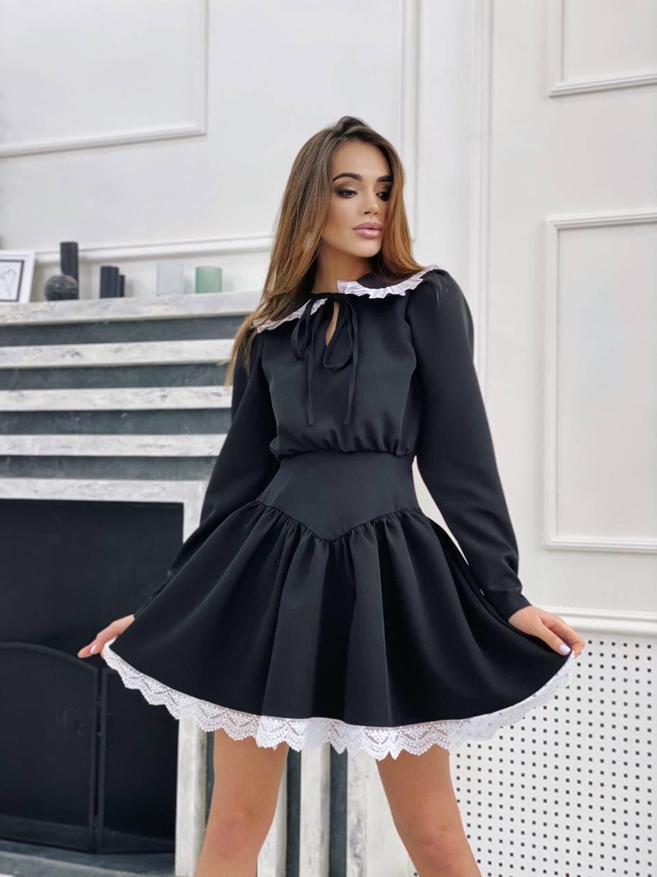 Черное приталенное платье « Бренда» с акцентным воротником