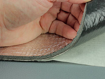 Шумовиброизоляция Вибро-шумка 2в1 ФИ5-Ф2.0 (700х500 мм) - вибро и шумоизоляция в одном листе.