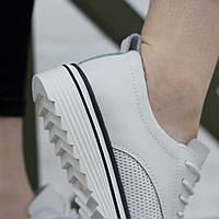 Красивые Кроссовки женские 40 размер Белые 25,5 см