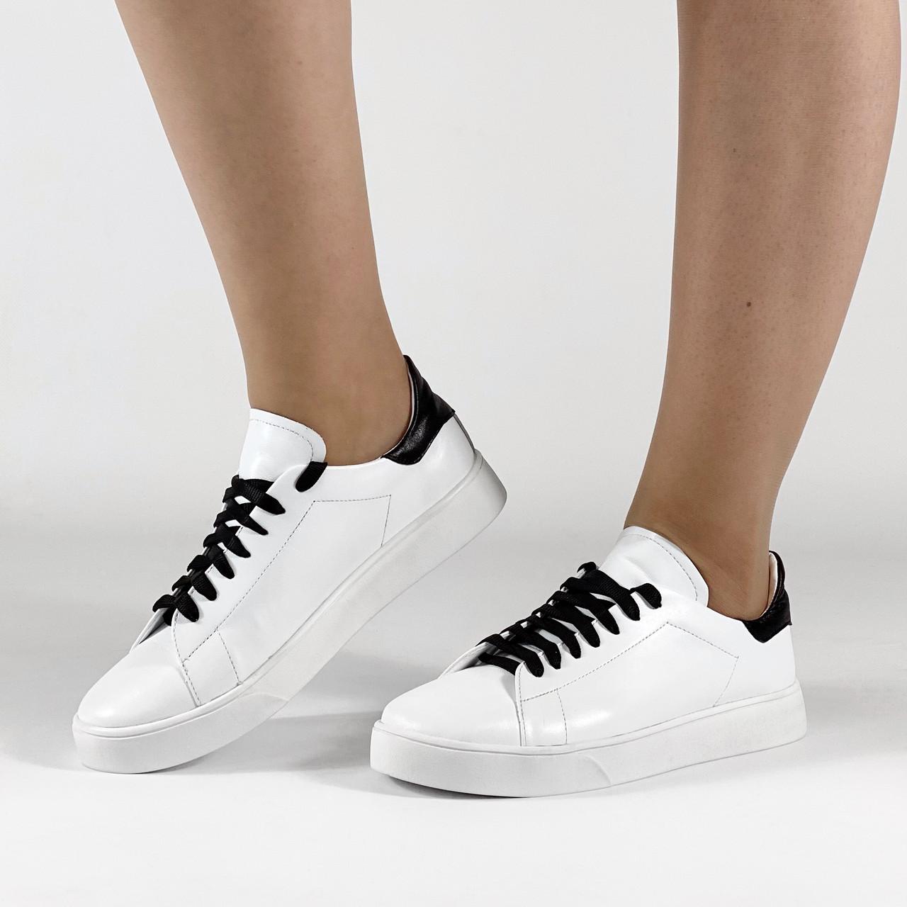 Кеди жіночі шкіряні білі з чорною вставочкою MORENTO