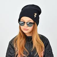 Модна ангоровая шапка з відворотом чорного кольору