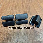 Крепление тепло-шумоизоляции капота Volkswagen. ОЕМ: 867863849A01C, 867863849A