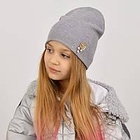 Дитяча сіра подвійна шапка без одвороту з брошкою
