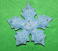 Новорічна іграшка з фетру ручної роботи Сніжинка блакитна-2 2514, фото 1