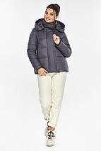 Жемчужно-серая куртка женская с капюшоном модель 43560, фото 2