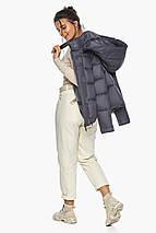 Жемчужно-серая куртка женская с капюшоном модель 43560, фото 3