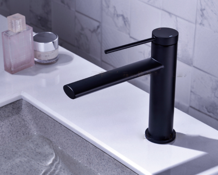 Смеситель для ванной. Модель RD-520