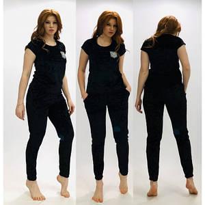 Велюровая женская пижама черного цвета с брюками и футболкой 52 р