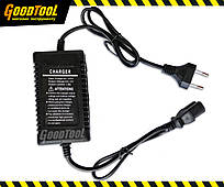 Зарядний пристрій до акумуляторного обприскувача