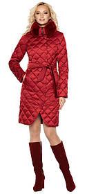 Женская куртка рубинового цвета фирменная модель 31030 (ОСТАЛСЯ ТОЛЬКО 40(3XS))