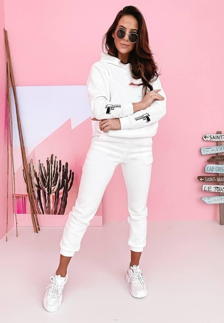 Идеальный белый костюм: толстовка с капюшоном +штаны с кармашками