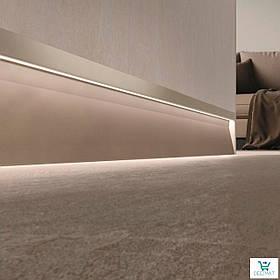 Светящийся плинтус алюминиевый для пола 63х10х2800 мм. Встроенный LED-плинтус в стену Profilpas SKL/2 concrete песочный