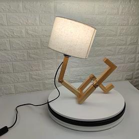 Настільна дерев'яна лампа - підставка Чоловічок з текстильним абажуром