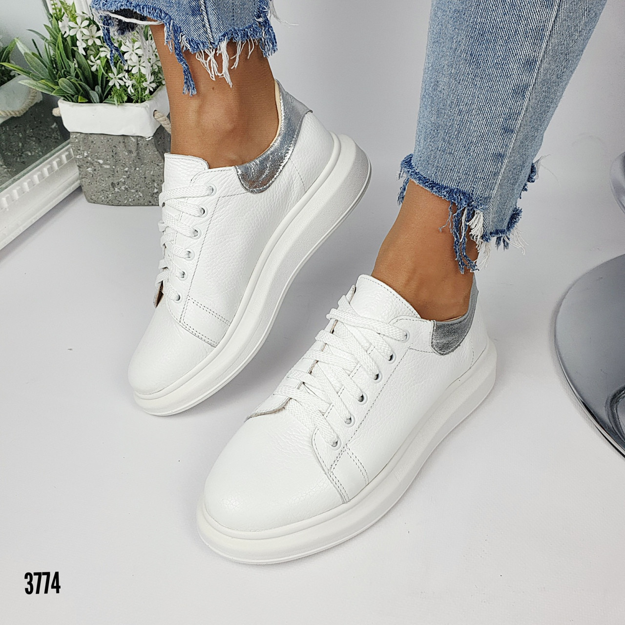 Женские кроссовки натуральная кожа белые