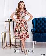 Женское Романтичное платье в цветочный принт с юбкой в складку. Отрезной лиф с короткими рукавами скроен с