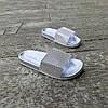 Серебряные шлепки женские тапки летние со стразами камнями резиновые уличные домашние, фото 4