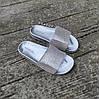 Серебряные шлепки женские тапки летние со стразами камнями резиновые уличные домашние, фото 3
