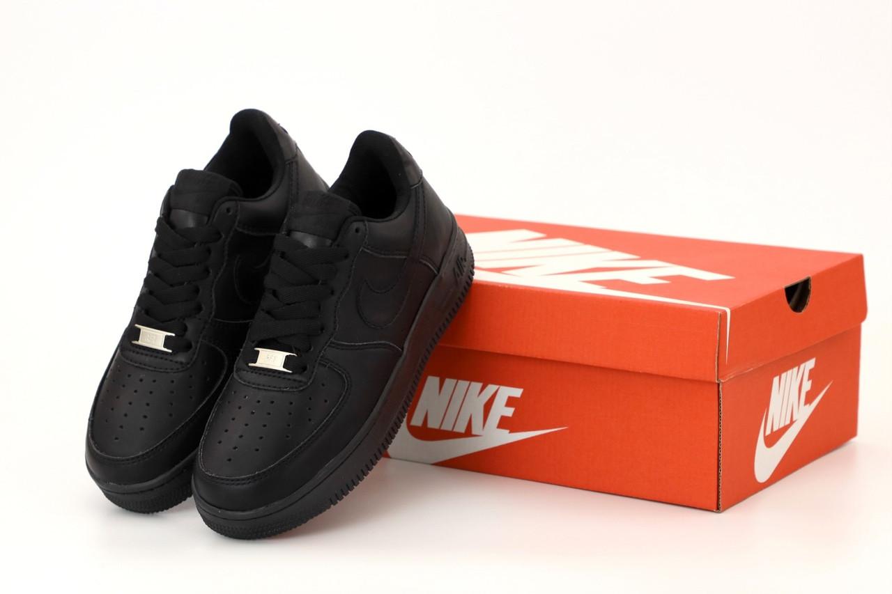 Мужские кроссовки Nike Air Force черного цвета