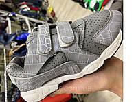 Легкі дитячі кросівки на літо унісекс колір сірий