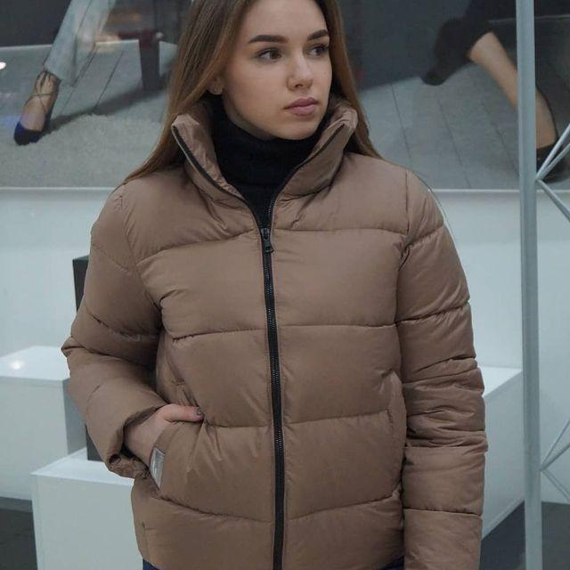 Женская весенняя кофейная куртка из плащевки