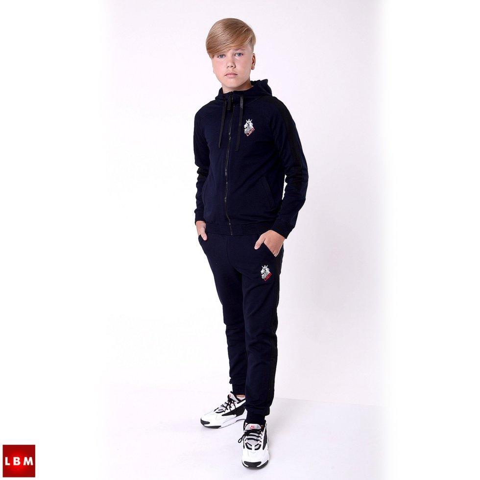 Спортивний костюм на хлопчика підлітка