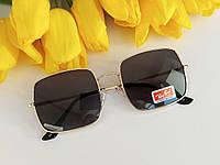 Женские солнцезащитные очки Ray Ban прямоугольной формы, черные в золотой оправе, код - sg0002