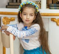 Вышиванка для девочки с красивым голубым узором, фото 1