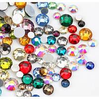 Стразы для маникюра камни для ногтей стекло разного размера и цвета 100 шт.