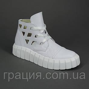 Модні жіночі кросівки з натуральної шкіри білі