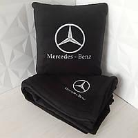 Набір: Автомобільна подушка + плед з вишивкою логотипу Mercedes-Benz